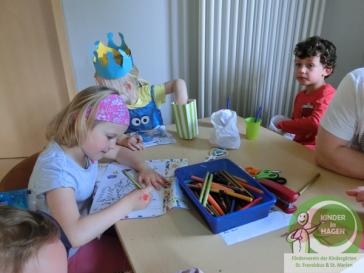 Lesestunde im St. Franziskus Kindergarten, mit Musik, Popcorn und Zuckerwatte